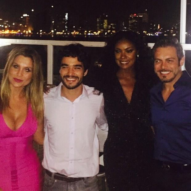 Flávia Alessandra, Caio Blat, Cris Vianna e Luigi Baricelli em evento em Angola (Foto: Instagram/ Reprodução)