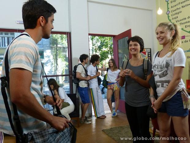 Olha a carinha da Fatinha de que vai aprontar! Essa aí não se aguenta, glr! (Foto: Malhação / Tv Globo)