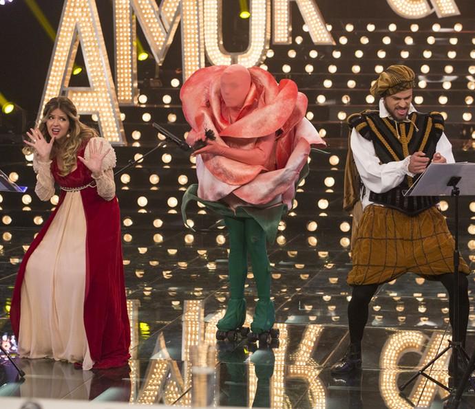 Mariana Santos e José Loreto provocam muitas risadas no palco do 'Amor e Sexo' (Foto: Felipe Monteiro/Gshow)