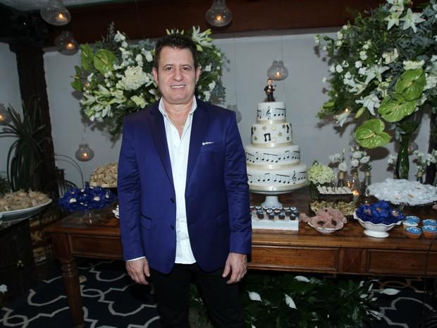 Marrone em festa na Zona Sul do Rio (Foto: Marcello Sá Barretto/ Ag. News)