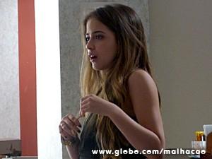 Flaviana percebe o engano de Martin (Foto: Malhação / TV Globo)