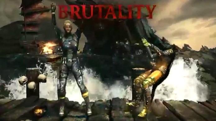 Cassie Cage aplica um Brutality arrancando a cabeça de DVorah (Foto: Reprodução/YouTube)