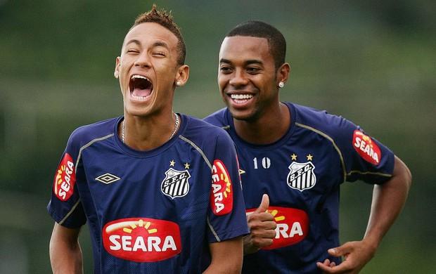 Neymar e Robinho no CT Rei Pelé (Foto: Ricardo Saibun/Divulgação Santos FC)