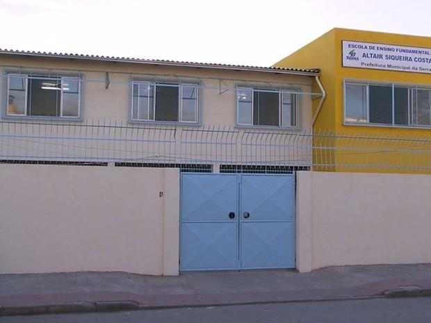 Escola no bairro Jardim Limoeiro (Foto: Reprodução/ TV Gazeta)