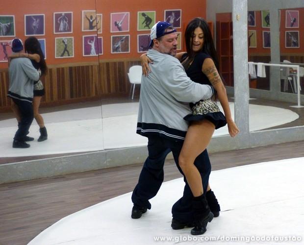 A dupla tem um relacionamento muito bom (Foto: Domingão do Faustão / TV Globo)