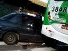 Acidente entre carro e ônibus deixa um ferido no Centro de Campinas