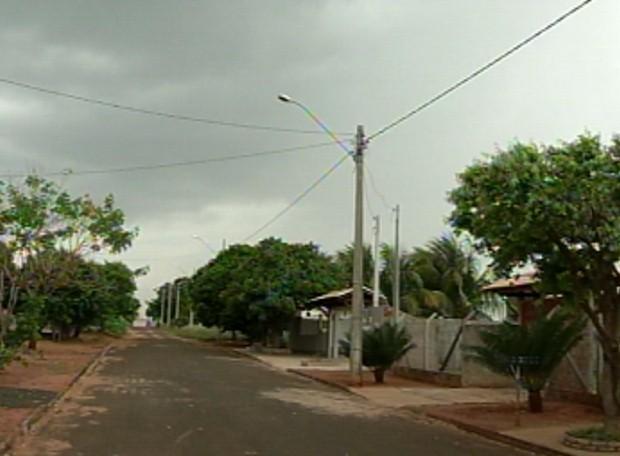Lagoa das Garças sofre com apagões constantes (Foto: Reprodução / TV Tem)