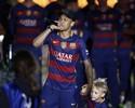 """Pai deixa possível saída de Neymar na mão do Barcelona: """"Está sob contrato"""""""
