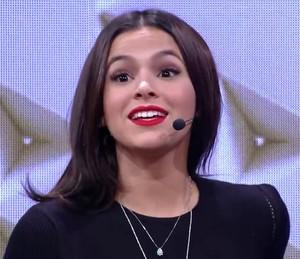 Bruna Marquezine reage a comentário de familiares no 'Tamanho Família' (Foto: TV Globo)