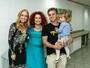 Angélica e Luciano Huck levam a filha a espetáculo musical