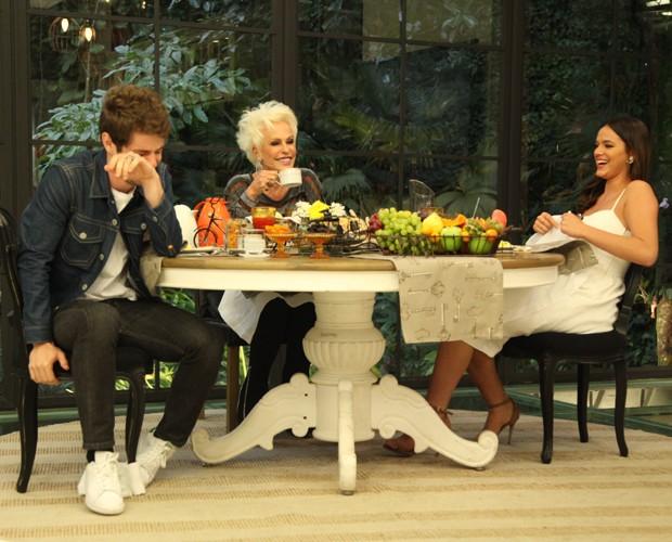 Bruna Marquezine e Maurício Destri foram pegos de surpresa com depoimento da mãe do ator (Foto: Fabiano Battaglin/Gshow)
