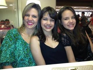 Flávia Fernanda e as filhas Amanda e Maria Fernanda  (Foto: Arquivo Pessoal)