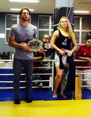 Flávio Canto e Ronda Rousey (Foto: André Durão)