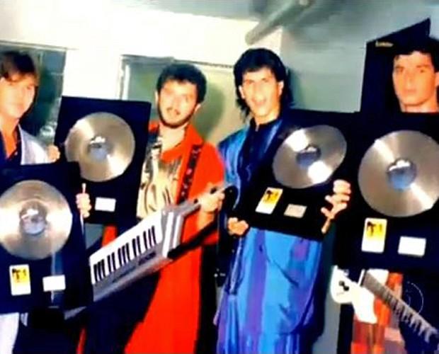 RPM comemora disco de diamante após vender mais de 2,5 milhões de cópia (Foto: TV Globo)
