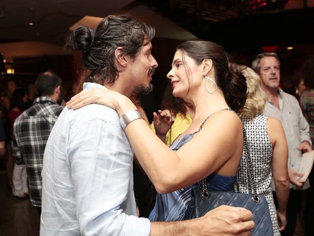 Helena Ranaldi e o namorado, Daniel Alvim, em estreia de peça em São Paulo (Foto: Rafael Cusato/ Brazil News)