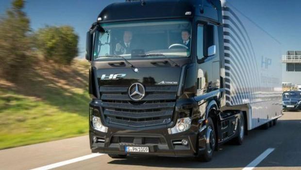 Objetivo da Daimler é levar seu caminhão-robô ao mercado em 2025 (Foto: Daimler)