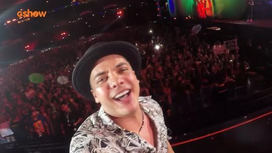 Selfie exclusiva: Safadão grava show e galera canta em coro