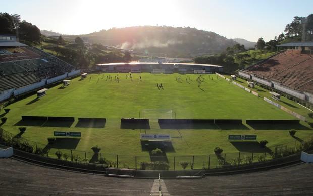 Flamengo estádio Juiz de Fora (Foto: Gustavo Rotstein)
