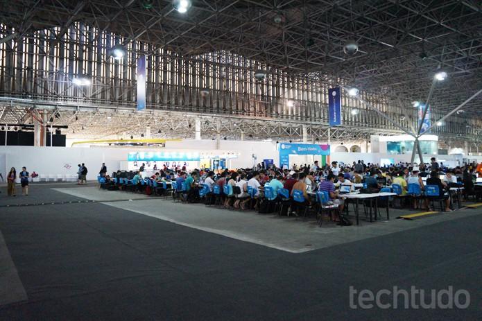 Campuseiros começam a dominar áreas da arena da Campus Party 2014 (Foto: Melissa Cruz/TechTudo)