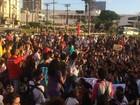 Grupo realiza protesto em Salvador contra o impeachment de Dilma