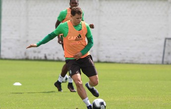 Com volante Jonas liberado, Coritiba faz último treino para o clássico