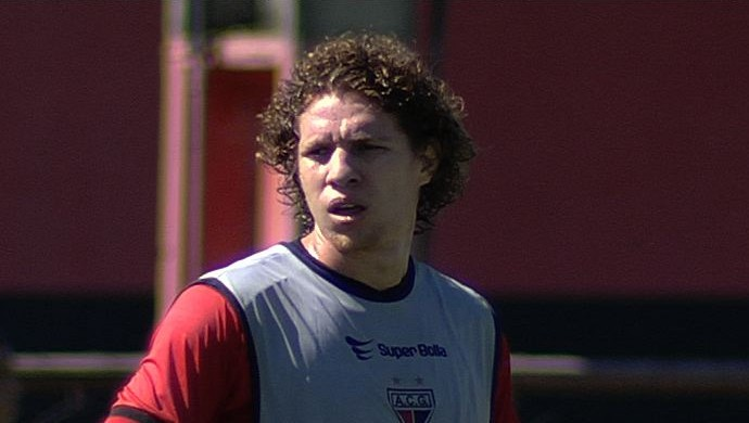 Renan Foguinho, volante do Atlético-GO (Foto: Reprodução/TV Anhanguera)