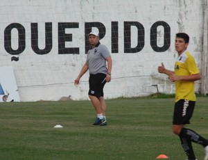 Ademir Fesan - técnico interino do ABC (Foto: Carlos Arthur da Cruz/GloboEsporte.com)