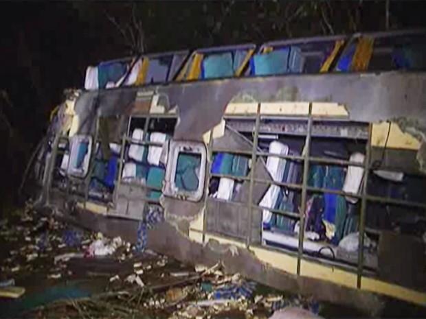 Acidente deixou nove mortos em Luz (Foto: Reprodução/TV Integração)