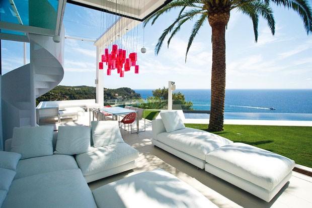 Espa o para todos de frente para o mar casa vogue for Casa moderna frente al mar