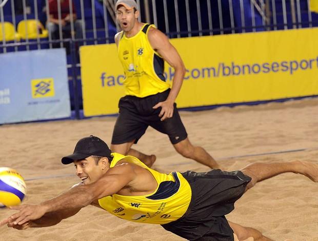 Bruno e Hevaldo vôlei de praia Goiânia (Foto: CBV)