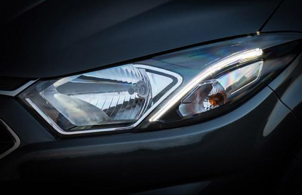 Chevrolet Onix reestilizado será mostrado por completo ainda neste mês (Foto: Divulgação)