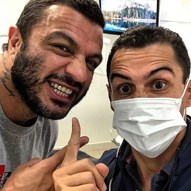 Bambam e seu dentista (Foto: Reprodução/Instagram)