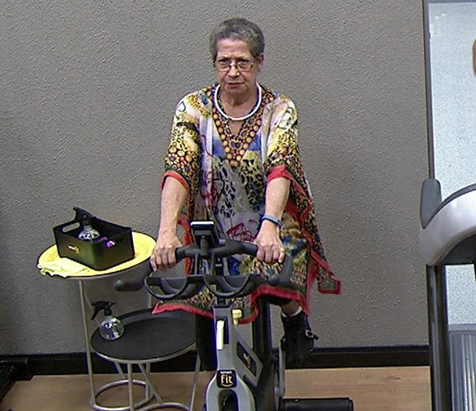 A bicicleta também ajuda a perder calorias e a ganhar resistência (Foto: TV Globo)