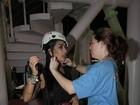 'Cala a bocaaa!' Amanda Djehdian se aventura na tirolesa no Rock in Rio