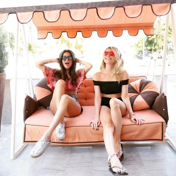 Thaila e Julia (Foto: reprodução/Instagram)