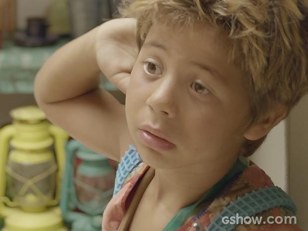 Serelepe descobre que pode ir parar em um orfanato (Foto: Meu Pedacinho de Chão/TV Globo)