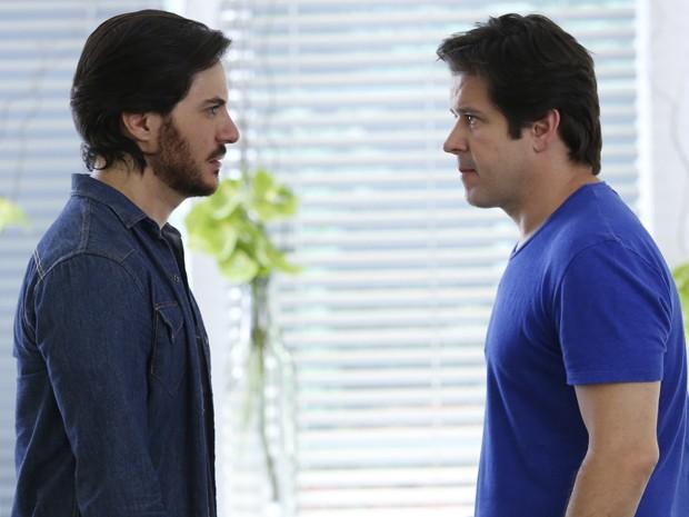 Furioso, Jonas acusa Herval de ter escondido a verdade sobre Davi (Foto: Raphael Dias/ TV Globo)
