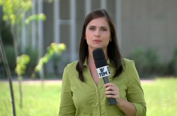Em reportagem exibida pelo Jornal Hoje, a repórter Bianca Celoto mostrou casos de pessoas que precisam recorrer aos bombeiros para retirar os anéis dos dedos (Foto: Reprodução / TV TEM)