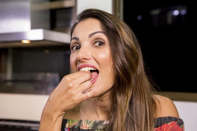 """Com a receita """"low carb"""", dá para comer brigadeiro e não sair da dieta (Foto: Felipe Monteiro/ Gshow)"""