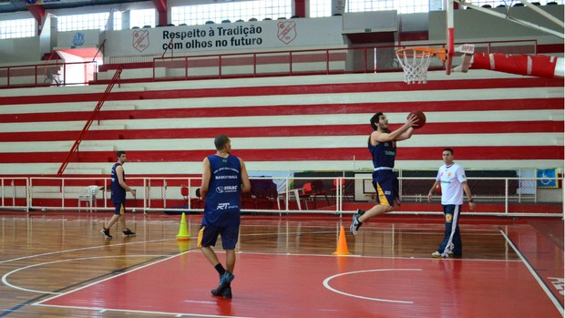 Treino do São José Basquete Sub-22 (Foto  Danilo Sardinha Globoesporte. cf98687a99dfc