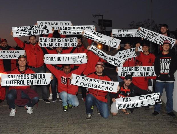 protesto flamengo aeroporto florianópolis