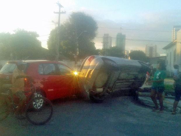 Apesar do susto, ninguém ficou ferido (Foto: Anderson Carlos / WhatsApp)