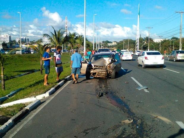 Resultado de imagem para fotos de acidentes na estrada do coco