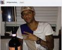 Ao lado de Amauri, Felipe Melo comemora aniversário com vinho