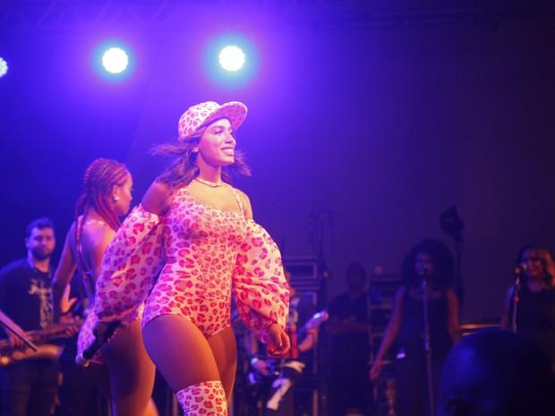 Anitta em show no Rio (Foto: Anderson Barros/ EGO)