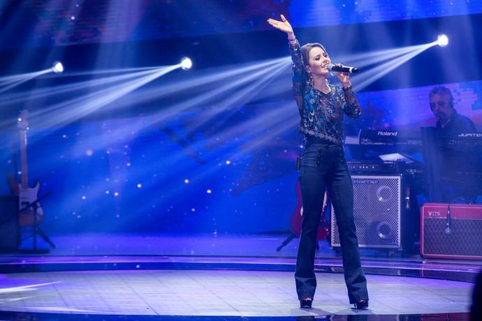 PARA O MUNDO!!! Sandy cantou para a plateia do SuperStar (Foto: Fabiano Battaglin/Gshow)