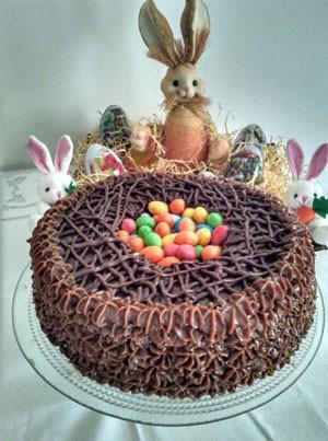 Torta Ninho é a aposta de Tatiane para a Páscoa desse ano.  (Foto: Reprodução/Facebook)