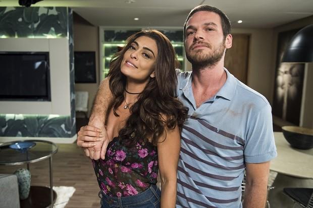 Juliana Paes em cena como Bibi com o marido, o traficante Rubinho, vivido por Emilio Dantas (Foto: Mauricio Fidalgo/TV Globo)