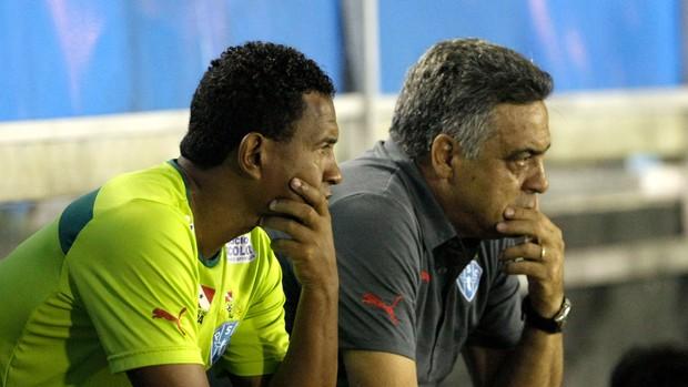 Técnico Vagner Benazzi e seu auxiliar, Rogerinho Gameleira, no Paysandu (Foto: Marcelo Seabra/O Liberal)