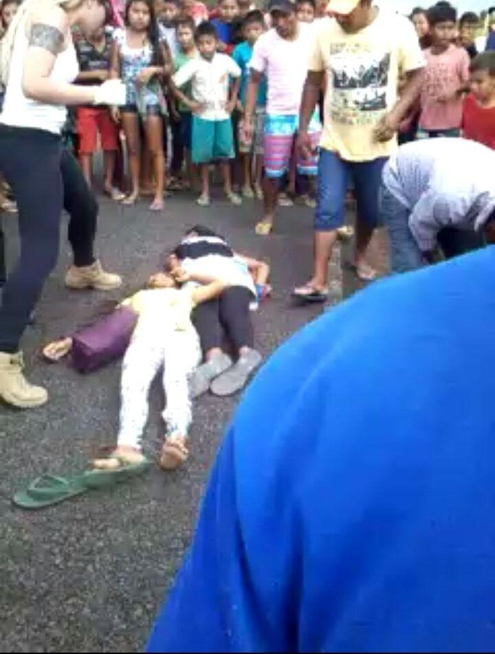 Adolescentes foram atingidos quando atravessavam asfalto (Foto: Arquivo pessoal)